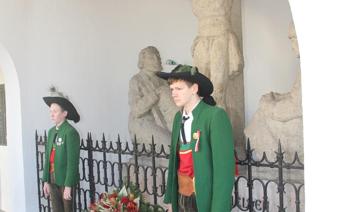 Totenehrung beim Kriegerdenkmal